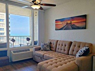 Completely Remodeled-Ocean & Intracoastal Views-King Bed-Huge 65' Smart TV-FREE