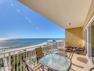 Gorgeous and cozy beachfront condo with shared pool & hot tub and beach access