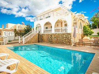 Beautiful home in Santa Pola w/ WiFi, 4 Bedrooms and Outdoor swimming pool (EBI0