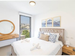 Lakeview Oasis - magnificent  2 bedroom suite⭐⭐⭐⭐⭐
