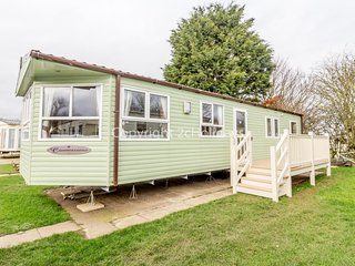 8 berth caravan for hire with decking on Skipsea Sands holiday park ref 41015WF