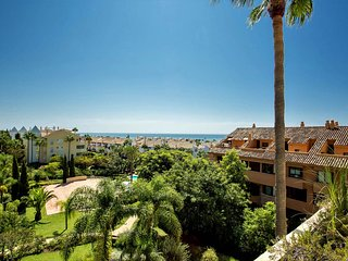 Beautiful and modern beachside Penthouse in Bahia de Marbella
