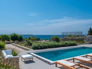 Paros Villa Sleeps 6 with Pool Air Con and WiFi - 5478608