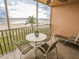 Fantastic updated condo with direct views  of the gulf
