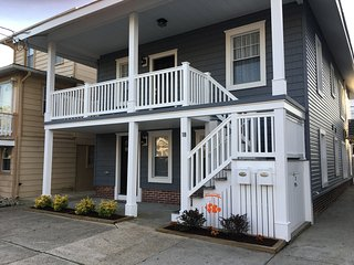Beautiful 3 BR Condo 2.5 blocks from the Beach