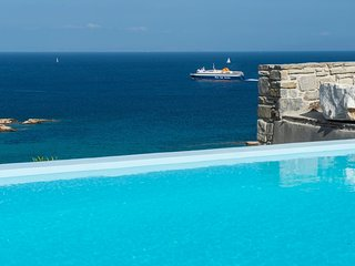Paros Villa Sleeps 6 with Air Con and WiFi - 5478602