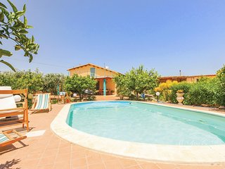 Stunning home in Menfi AG w/ WiFi and 2 Bedrooms (ISS424)