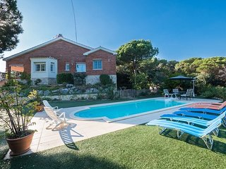 Sant Vicenc de Montalt Villa Sleeps 10 with Pool and WiFi - 5509122