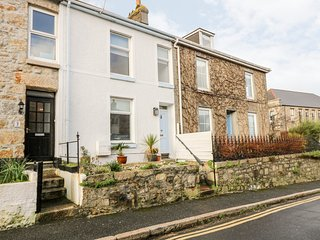 NO. 2 BELGRAVIA, open-plan living, centre of Penzance, pet-friendly, Ref 974734