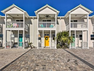 NEW! Updated Abode w/ Yard, Walk to Mexico Beach!