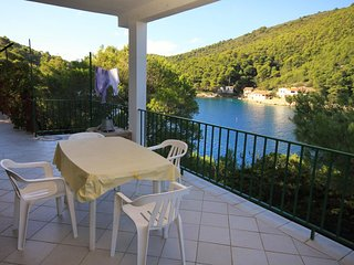 Kut Apartment Sleeps 6 with Air Con and WiFi - 5469059