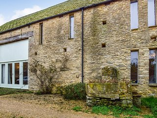 Butts Farm, Poulton, Cotswolds - Sleeps 10+2, Poulton, Cotswolds, barn conversio