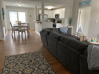 Magnolia Beach Cottage-New Listing, great weekly rates!