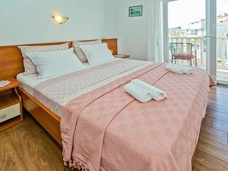Hvar Apartment Sleeps 2 with Air Con - 5464726