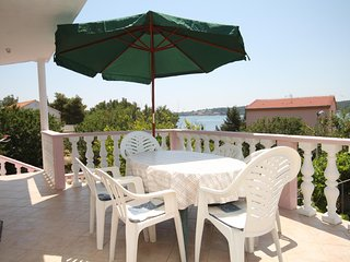 Verunic Apartment Sleeps 4 with Air Con and WiFi - 5467915