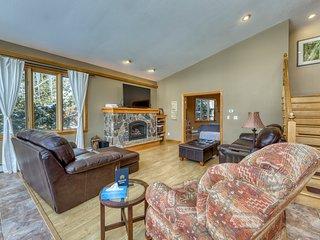 Spacious & modern mountain home w/gas fireplace & lake view. Dog-friendly!