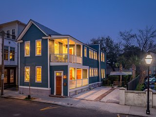 Luxury Rental - Historic Charm - Central Location!