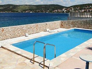 Razanj Apartment Sleeps 8 with Pool Air Con and WiFi - 5467431