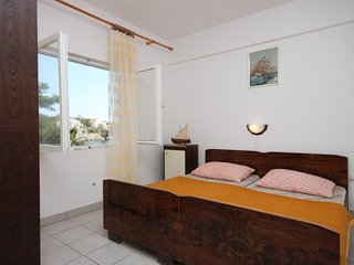 Stanisce Apartment Sleeps 4 with Air Con and WiFi - 5459039