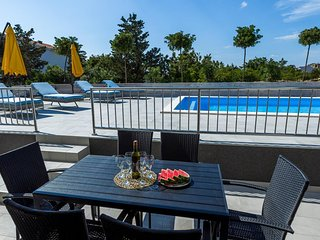 Novalja Apartment Sleeps 4 with Pool and Air Con - 5792682
