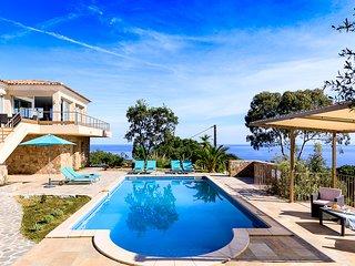 Lumio Villa Sleeps 13 with Pool and Air Con - 5621131