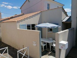 maison de vacances type studio avec cour privee.