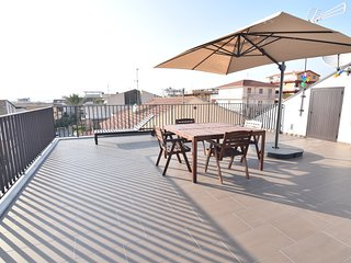 Appartamento con Piscina e grande Terrazza Vista Mare