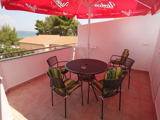 Cimera Apartment Sleeps 5 with Air Con and WiFi - 5459225