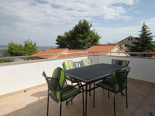 Cimera Apartment Sleeps 6 with Air Con and WiFi - 5459231