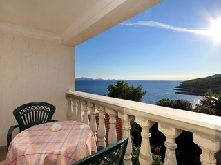 Zavalatica Apartment Sleeps 4 with Air Con and WiFi - 5469202