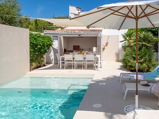 MODERN VILLA HEATWAVE WITH  SEA VIEW SLEEPS 8 WITH SWIMMING POOL