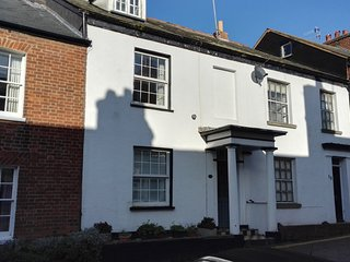 Charming 3-Bed House Exmouth Town Centre, Devon
