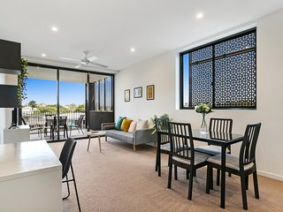 Bright Modern Apartment near City and Southbank