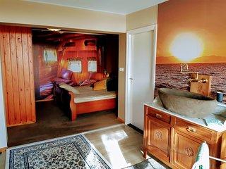 La Reine Suite -stunning Mediterranean yacht style GuestRoom 15mn from Rotterdam