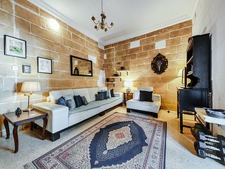 Central Traditional 2 Bedroom Town House, Cospicua