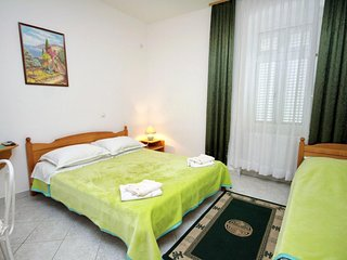 Selce Apartment Sleeps 3 with Air Con - 5460595