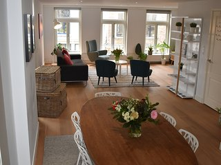 Modern & Spacious 3 Bedroom Apartment in the Heart of Utrecht City Center