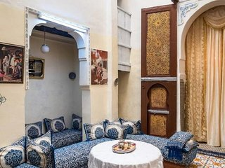 Family Room for 4 peoples Sunny Riad Inside Medina Fes El Bali