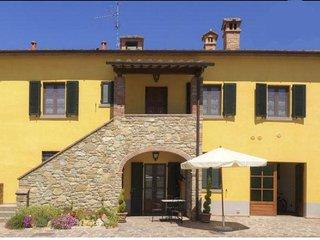 Castiglion Fibocchi Holiday Home Sleeps 6 with Pool and Free WiFi - 5767438