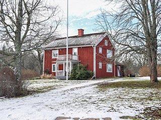 Nice home in Gullringen w/ 2 Bedrooms (S35381)