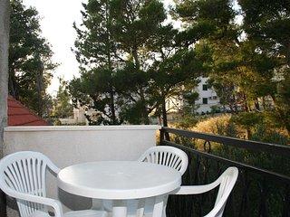 Bol Apartment Sleeps 3 with Air Con - 5461393