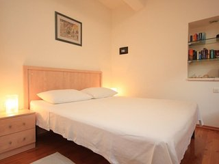 Komiza Apartment Sleeps 3 with Air Con and WiFi - 5461592