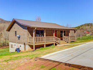 Pleasant dog-friendly cabin w/ creek views, private gas grill, and firepit!