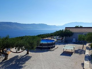 Pula Holiday Home Sleeps 4 with Pool - 5470799