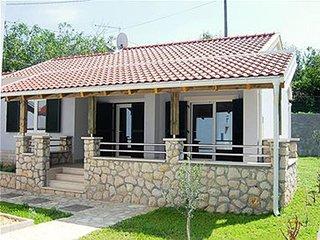 Kampor Holiday Home Sleeps 6 with Pool Air Con and WiFi - 5461818