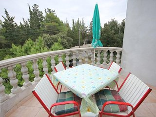 Donje Selo Apartment Sleeps 4 with Air Con and WiFi - 5468506