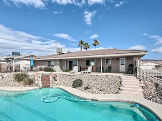 Pet-Friendly Modern Oasis w/BBQ 2Mi to Lake Havasu