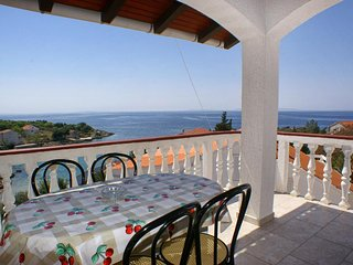 Stanisce Apartment Sleeps 5 with Air Con and WiFi - 5462229