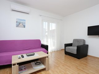 Dubrava Apartment Sleeps 7 with Air Con and WiFi - 5470612