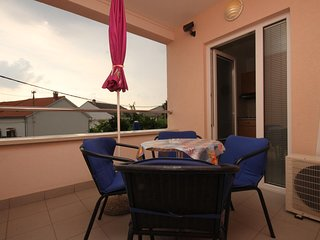 Novalja Apartment Sleeps 4 with Air Con - 5465946